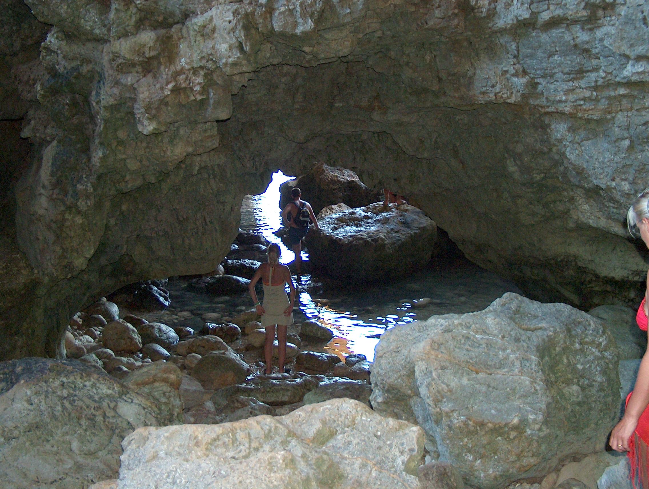Risultati immagini per grotta del diavolo leuca
